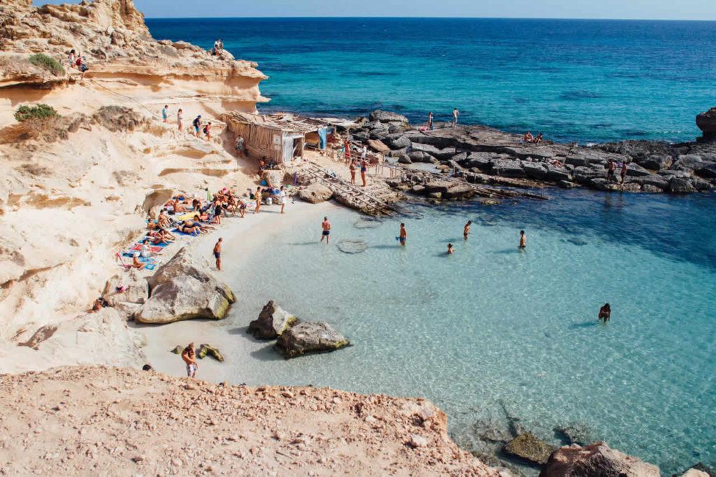 Faire de la plongée à Ibiza en Espagne
